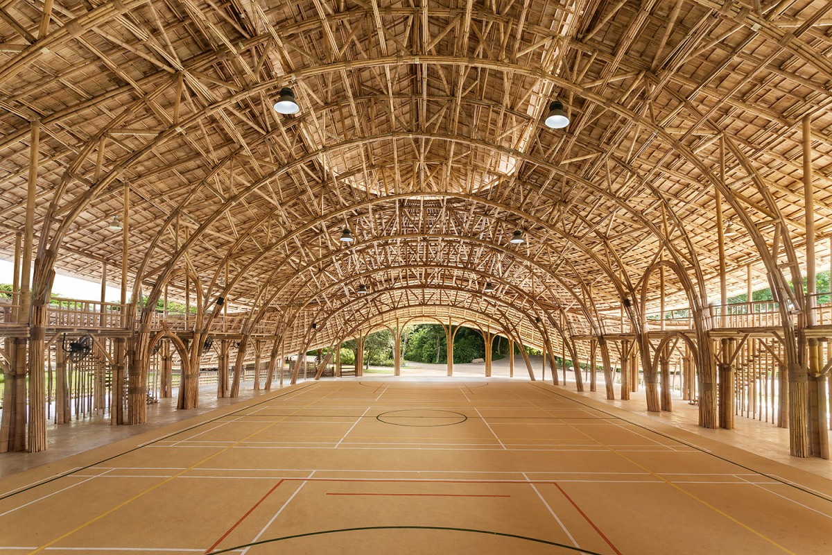 Penyaden School et sa salle de sport en bambou par Changmai Life Construction